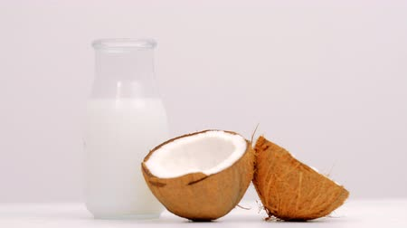 замена : Fresh organic coconut milk. Delicious substitution for lactose intolerant or vegan