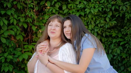 поддержка : Mother wisdom. Experience care trust. Daughter asking mom advice.