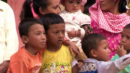 yoksulluk : Little nepali friends in Bungamati during Festival of lights.