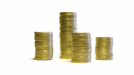 монета : growing and reducing stacks of coins isolated on white