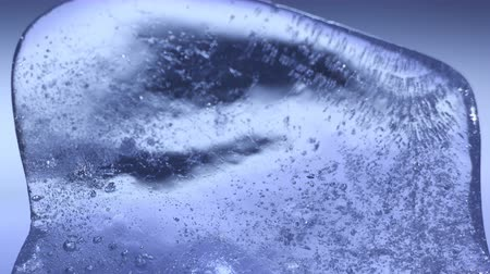 mrazivý : Blue ice thawing close-up timelapse 4k UHD (3840x2160) Dostupné videozáznamy