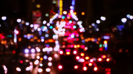 ночная жизнь : USA. New York City. Night. Traffic of the cars, taxis and buses at E42nd Street