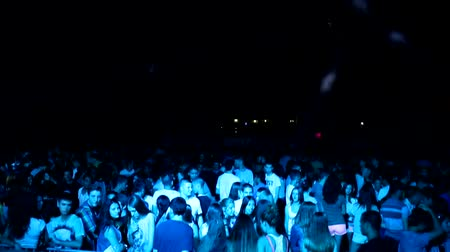koncert : crowd on clubbing party