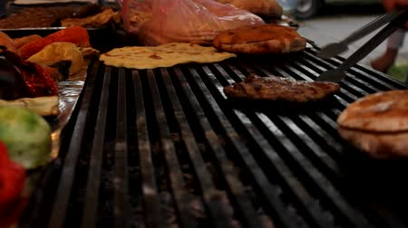 bbq grill : barbecue Stock Footage