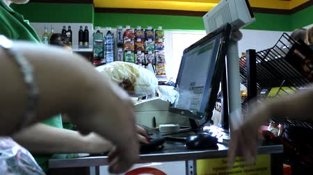szczupak : cashier at the store