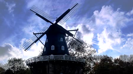 młyn : vintage windmill cloudscape time lapse Wideo