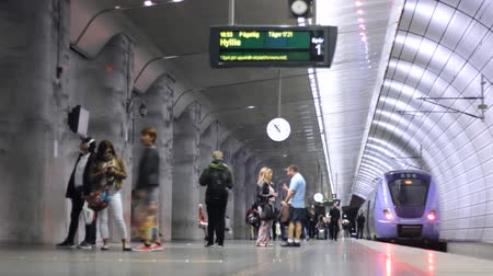 underground : underground metro train station Stock Footage