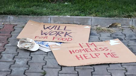 evsiz : Homeless ,Help ME Stok Video
