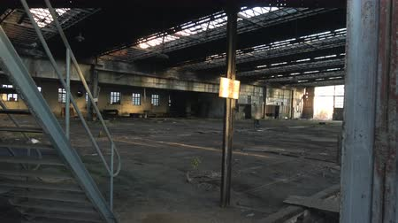 zbourán : Abandoned Ruin train factory
