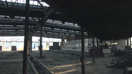 abandonar : Abandoned Ruin train factory