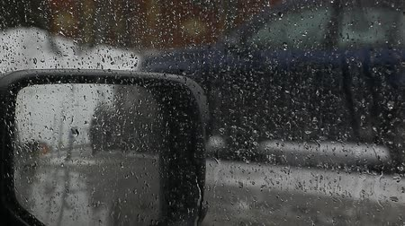 camsı : car window rain drops hd footage Stok Video