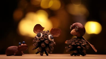 schneeeule : chestnut cone wind gold bokeh Videos
