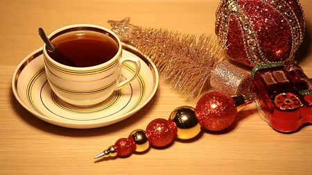 parlayan : hot tea cup new year toy table