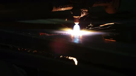 meşale : metal cutting with gas welding