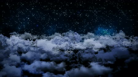 felhős : Seamless 3d animation of aerial view of cloudy night sky with clouds and star light falling with camera moving in night scene skyscape background in 4k loop