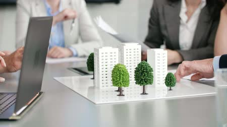 strukturální : Architectural model on the office table