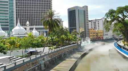 abdul : Kuala Lumpur, Malaysia - October 17,2017 : Scenic view of River of Life at Masjid Jamek mosque and launched in late of August in 2017.