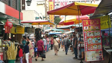 chiosco : Kuala Lumpur,Malaysia - June 2, 2019 : Petaling Street is a chinatown which is located in Kuala Lumpur,Malaysia.It usually crowded with locals as well as tourists. People can seen exploring around it.