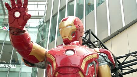 dez : Kuala Lumpur,Malaysia - September 8,2019 : A huge Iron man statue display at the KL Pavilion, there is the Marvel Studios Ten Years of Heroes exhibit in Malaysia.