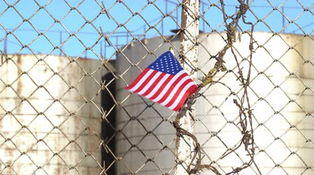 farpa : American Flag on Barbed Wire Fence 4K