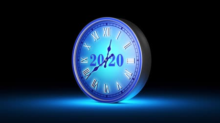 geçen : Frozen instant. Fabulous blue clock, midnight. New Year 2020. Christmas. The video clip is made in Cinema 4D (render in 16bit Tiff-sequence). Smooth gradation of color, without banding effect! 3D animation. Available in high-resolution and several sizes t Stok Video