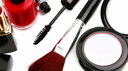 makijaż : new makeup set isolated on white background