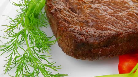 cielęcina : meat food : roast beef fillet mignon served plate with apples dill and tomatoes 1920x1080 intro motion slow hidef hd