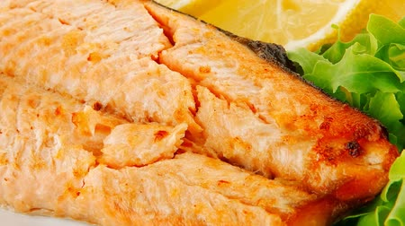 placas : salmon steak plate with butter 1920x1080 intro motion slow hidef hd Vídeos
