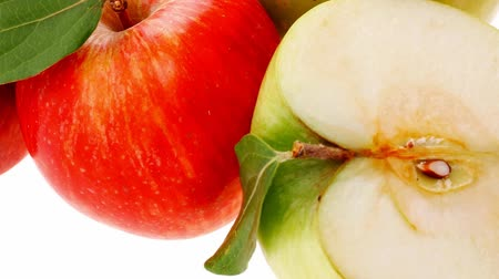 macro fotografia : group of red and green fresh ripe apples with half 1920x1080 intro motion slow hidef hd