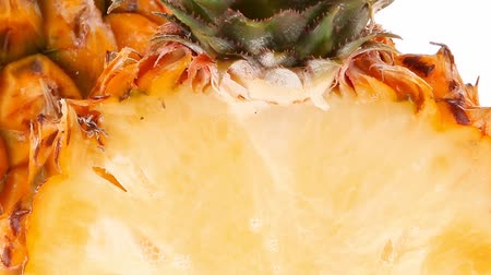 ananas : fruit diet - whole and half pineapples 1920x1080 intro motion slow hidef hd Stok Video