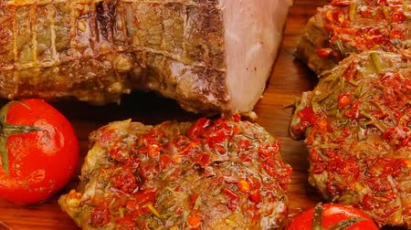 говядина : served peppered roast meat chops on wood 1920x1080 intro motion slow hidef hd