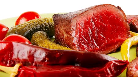 száraz : meat slices and chunk with vegetables and peppers 1920x1080 intro motion slow hidef hd
