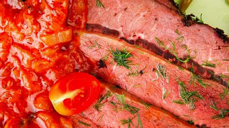 molho de tomate : corned beef on plate 1080p 1920x1080 intro motion slow hidef hd