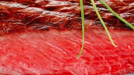 cielęcina : meat food : roasted fillet plate with tomatoes and chives 1920x1080 intro motion slow hidef hd Wideo