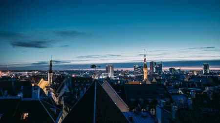 capitello : Tallinn, Estonia, Europe. Time Lapse Time-lapse Night To Day, Of Cityscape. Transition From Night To Morning Sunrise. Old Town And Modern City. Popular Place With Famous Landmarks. UNESCO.