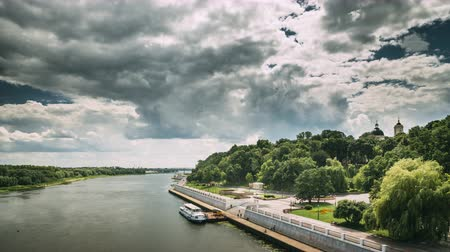 bělorusko : Gomel, Belarus. Top View Of Sozh River, Floating Tourist Boat Cruise Ship And In Summer Sunny Day