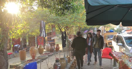 Tbilisi, Georgia - November 11, 2018: Shop Flea Market Of Antiques Old Retro Vintage Things On Dry Bridge. Swap Meet In Tbilisi Stok Video