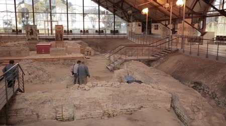 siècle : Turov, Belarus - September 22, 2018: Hillfort Of Ancient Turov On Archaeological Site Vidéos Libres De Droits