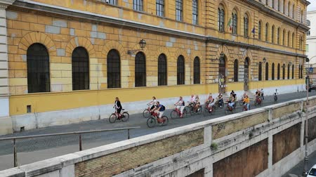 Řím : Rome, Italy - October 21, 2018: Group Of People Cycling On Bicycles In City