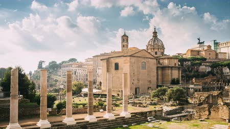 フォーラム : Rome, Italy. Temple Of Peace And Basilica Aemilia In The Roman Forum. Santi Luca E Martina Church And Senatorial Palace. UNESCO World Heritage Site 動画素材