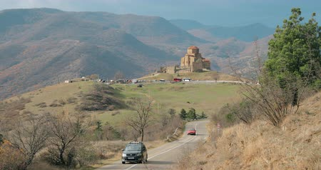 montanhoso : Mtskheta, Georgia. Road Going To Jvari, Georgian Orthodox Monastery, World Heritage By UNESCO. Beautiful Autumn Mountain Landscape And Ancient Temple Vídeos