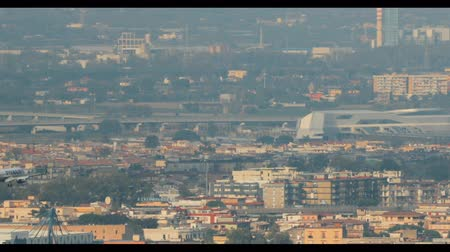 neapol : Naples, Italy - October 17, 2018: Airplane Plane Of Irish Low-cost Airline Ryanair Landing At Naples International Airport