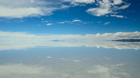 Panoramic View on Salar De Uyuni Стоковые видеозаписи