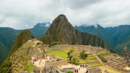 Another famous view on Machu Picchu in Peru Стоковые видеозаписи