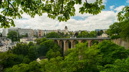 luxemburg : Panoramisch stadsgezicht van Luxemburg Stockvideo