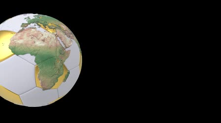 partida : Realistic soccer ball isolated on black screen. 3d seamless looping animation. Detailed world map on white and gold soccer ball. Concept football earth globe. Sport design element. Vídeos