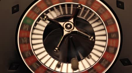 искушение : Spinning Roulette wheel with ball