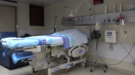 ér : Shot of Empty delivery room in a hospital