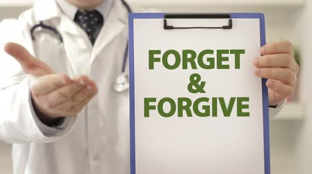 desistir : Doctor provoke patient to forget and forgive Vídeos