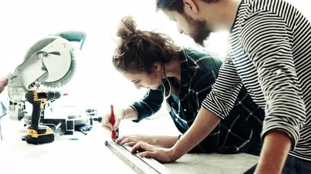 craftswoman : Small business of a young couple. Stock Footage
